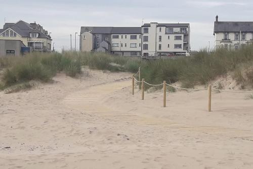 Cosy Castlerock Beside Beach Golf Course STILL OPEN