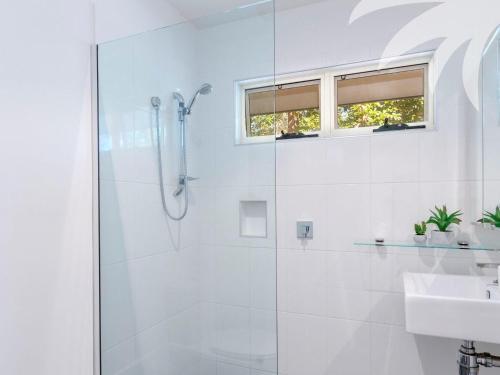 A bathroom at Alawai @ Smiths