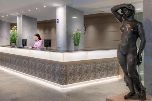 El vestíbulo o zona de recepción de 4R Salou Park Resort I