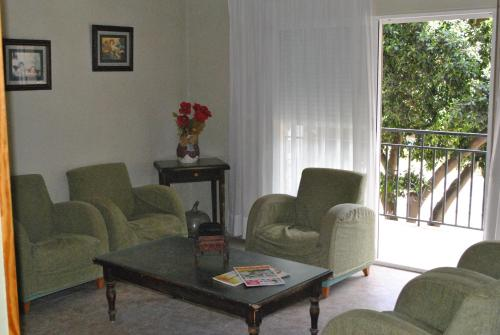 A seating area at Hostal Rey Teodomiro