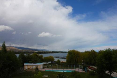 Вид на бассейн в Три Короны или окрестностях