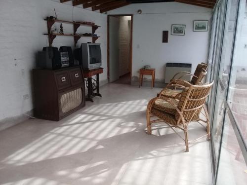 A seating area at La Casa de Vistalba