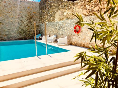 Piscina a Hotel Carbonell o a prop