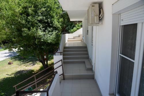 A balcony or terrace at Apartmani Teodora