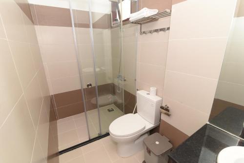 A bathroom at Kyo Hotel