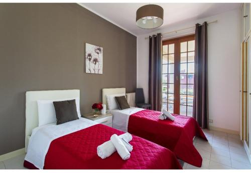 A bed or beds in a room at Casa del Sole