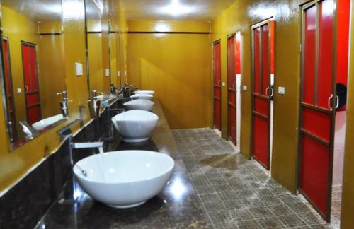A bathroom at Dream Home Hostel