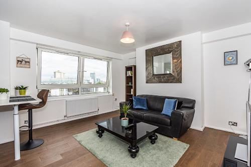 1 Bed Apartment, King's Cross Station - SK