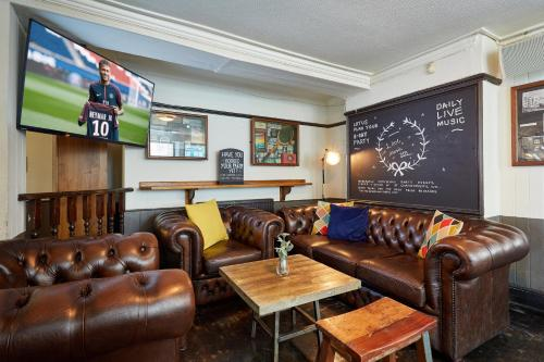 The lobby or reception area at St Christopher's The Inn - London Bridge