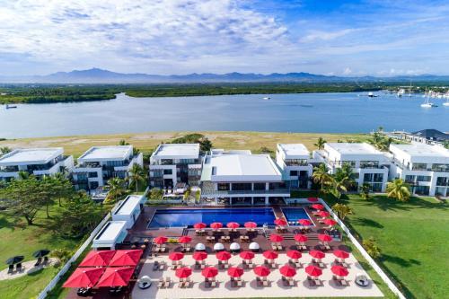 Hilton Fiji Beach Resort and Spa с высоты птичьего полета
