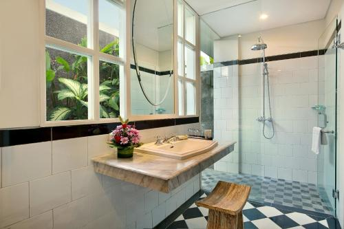 A bathroom at Maison at C Boutique Hotel & Spa Seminyak