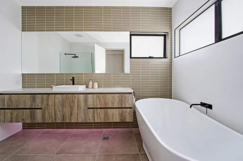 A bathroom at Adori Maloo - Bundalong