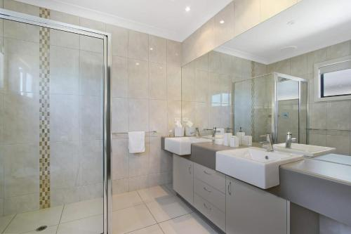 A bathroom at Cypress Townhouse 11