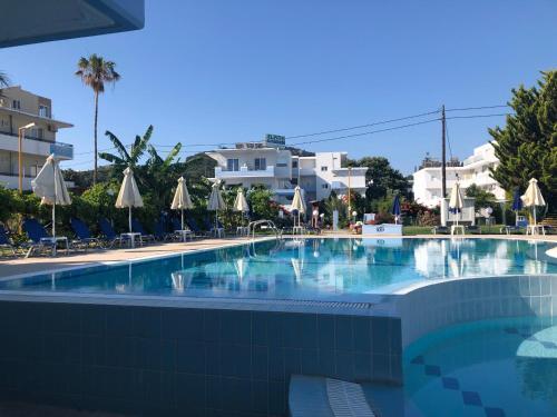 Πισίνα στο ή κοντά στο Elpida Beach Studios