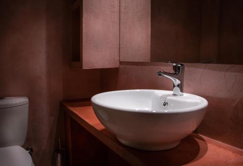 Ένα μπάνιο στο Ξενοδοχείο Γαλήνη