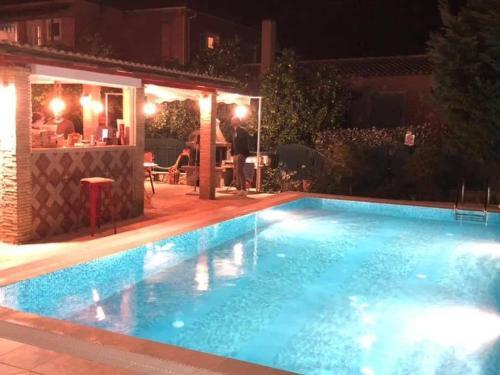 The swimming pool at or close to Evan's Studios
