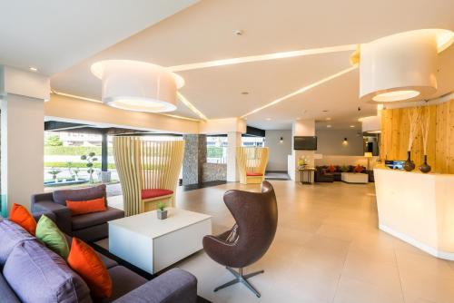 ล็อบบี้หรือแผนกต้อนรับของ Hotel J Residence Pattaya