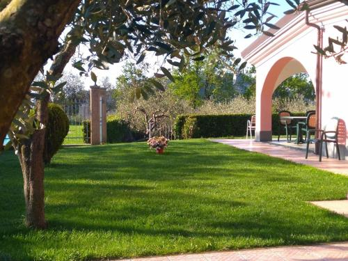 Giardino di La Rossola Resort & Natura
