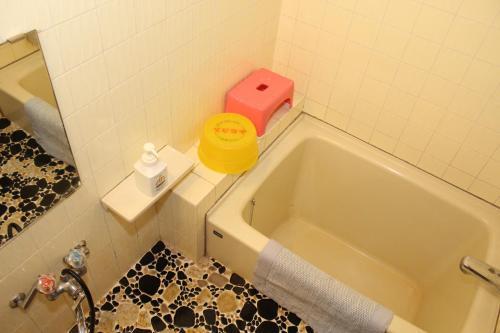 A bathroom at Takahan