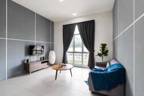 Ruang duduk di DreamScape Apartment @ Golden Hill