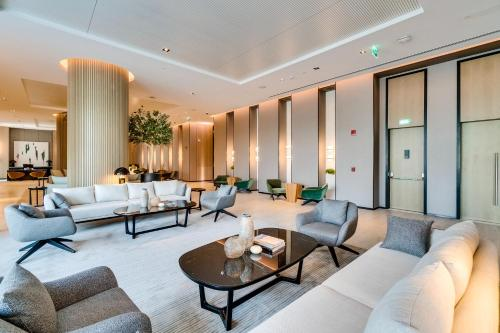 A seating area at Vida Emirates Hills Residences