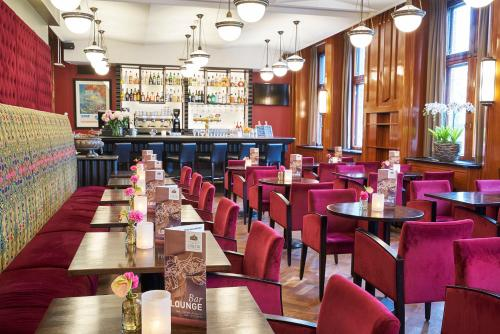 A restaurant or other place to eat at Grand Hotel Amrâth Amsterdam