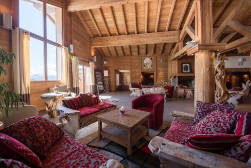 Coin salon dans l'établissement CGH Résidences & Spas Le Village De Lessy