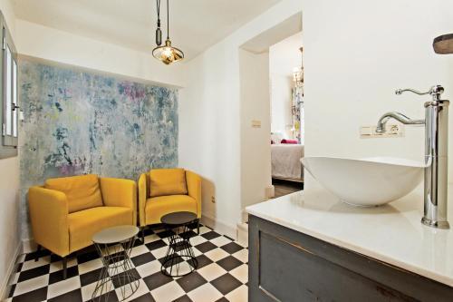 A bathroom at EL TORREON 109 CHARMING B&B