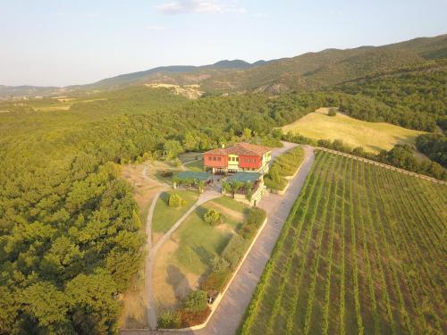 Άποψη από ψηλά του Estate Kalaitzis