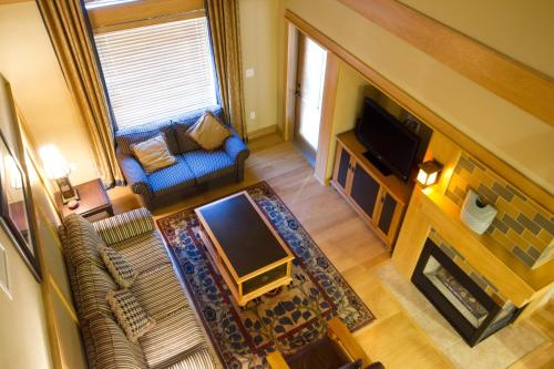 A seating area at Club Wyndham Steamboat Springs