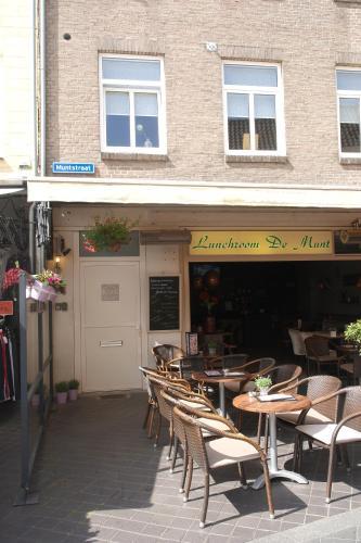 Een restaurant of ander eetgelegenheid bij Boven de ijsjes