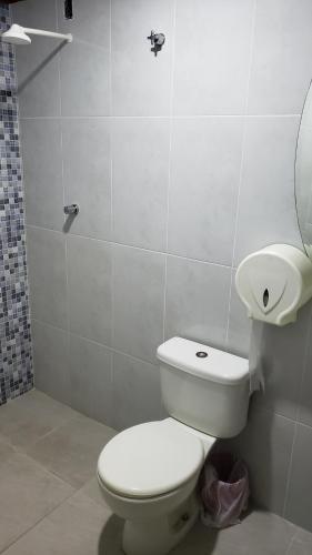 A bathroom at Hotel Opção
