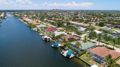 Blick auf Waterfront Villa ID2621 aus der Vogelperspektive