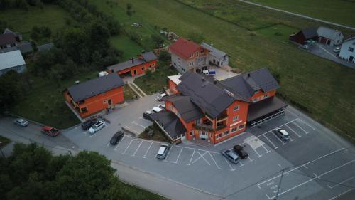 Letecký snímek ubytování House Šapina