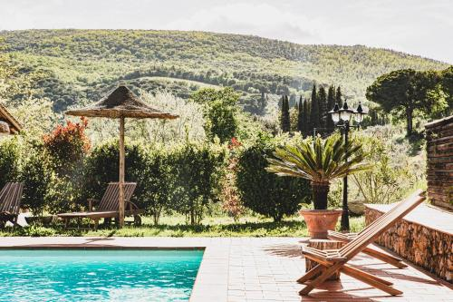 The swimming pool at or near Agriturismo I Pini