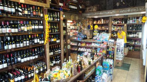 A supermarket or other shops at the bed & breakfast or nearby
