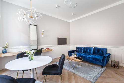 A seating area at Homewell Boutique Apartments