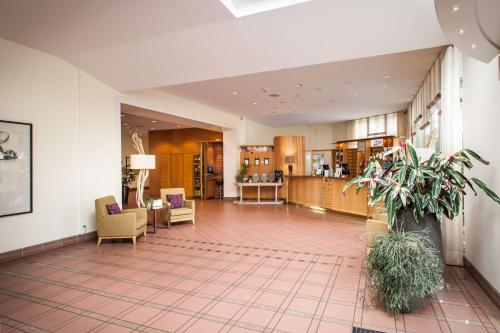 The lobby or reception area at Hotel Deutscher Hof