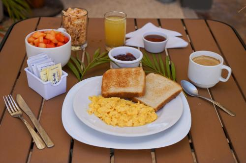 Breakfast options available to guests at Wabi Hostel