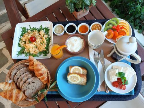 Επιλογές πρωινού για τους επισκέπτες του Daphne's Club Hotel Apartments