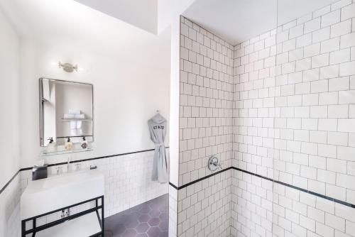 A bathroom at The State Hotel