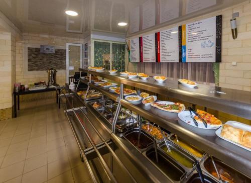 Ресторан / где поесть в Гостиница Дубок
