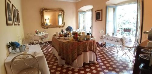 A restaurant or other place to eat at Villa Cavadini Relais