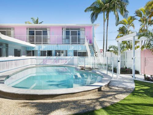 The swimming pool at or near Ventura Beach Motel - 1 Bedroom