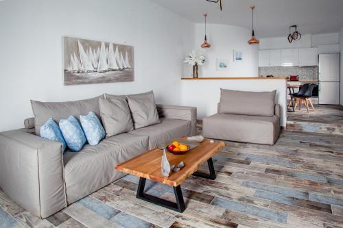 A seating area at Abelomilos Exclusive Villa