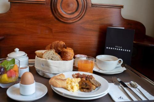 Breakfast options available to guests at Villa Montparnasse
