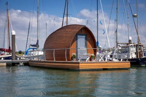 Sea Breeze Ark 900 Boat