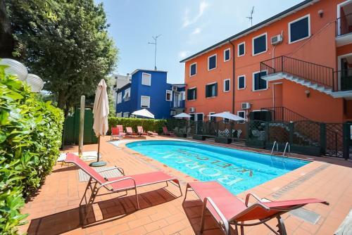 Bazén v ubytování Villa Veneta nebo v jeho okolí