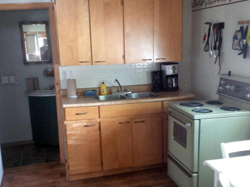 A kitchen or kitchenette at Marble Lake Lodge