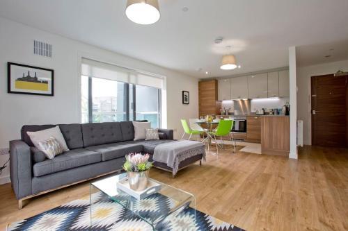 Luxury 1 Bed Apartment in Stoneywood, Aberdeen